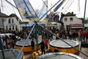 Een (opblaasbare) trampoline voor je feest